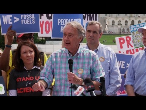 Sens. Markey & Merkley Push Bill for 100% Clean and Renewable Energy by 2050