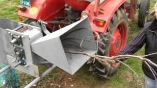 Repeat youtube video Sekalec vej 1_2 vII  Wood Chipper Štěpkovač Rebak Holzhacker