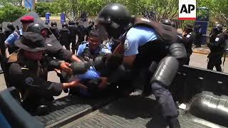 Nicaragua - Three killed in protests over Nicaraguan social security reform / Protest against govt r