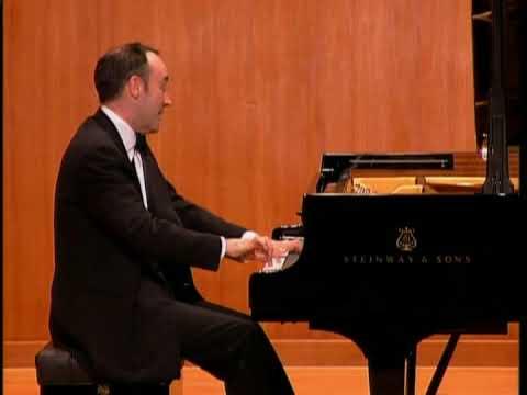 Leon McCawley - Mozart Piano Sonata K570 (No. 17 in B flat major) - 1. Allegro