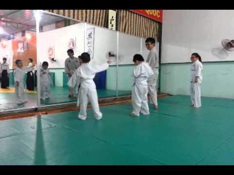 Con nít học võ - CLB Aikido Cống Quỳnh