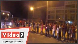 شاهد استقبال جماهير الأهلى لأتوبيس اللاعبين أثناء دخول استاد الجيش