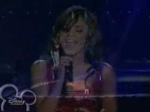 Vanessa Hudgens - When There Was Me And You - HSM Concert Buenos Aires (Live)