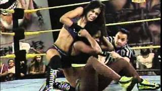 FCW - AJ Lee vs Naomi Night for FCW Diva