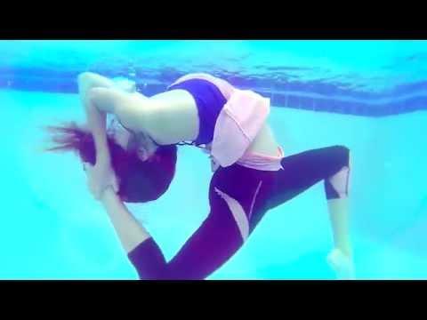 Nicole Winter Underwater Contortion