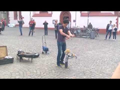 Marionette - string puppet public show - Frankfurt am Main - Römer