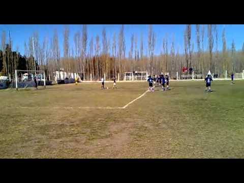 Cipolletti 6 - Los Unidos 0 en séptima división, los dos goles de penal
