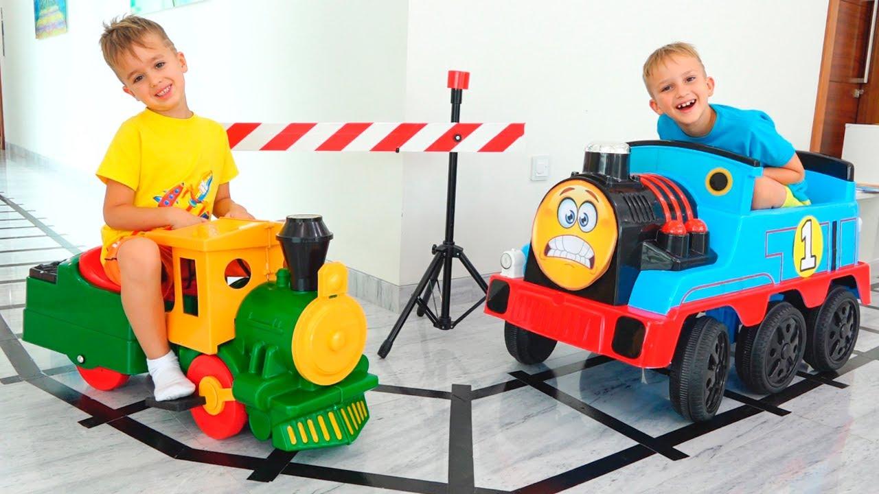 Vlad và Niki chơi với Xe lửa đồ chơi