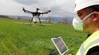 Geliştirdiği sistemle tarlalarda drone ile ilaçlama yapabiliyor
