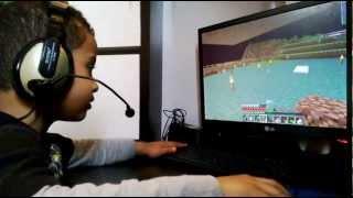 Repeat youtube video اخوي في ماين كرافت يقلد دحومي999 ^-^