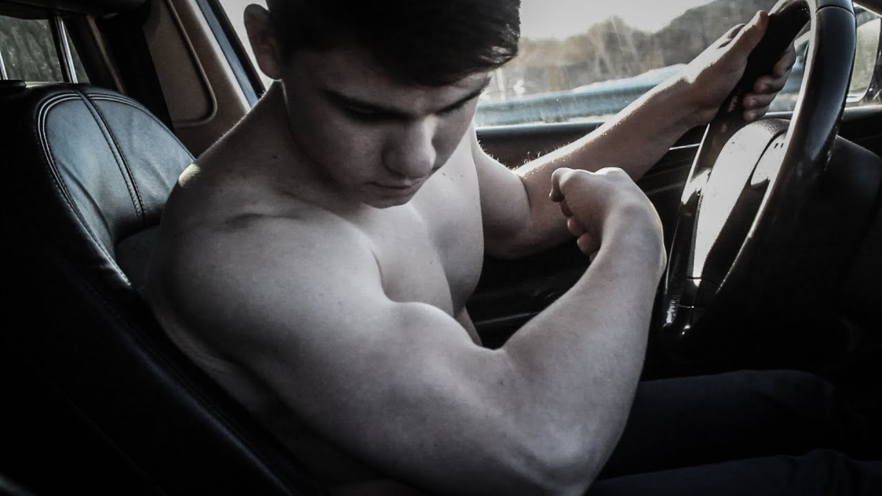 Hands on a muscleboy