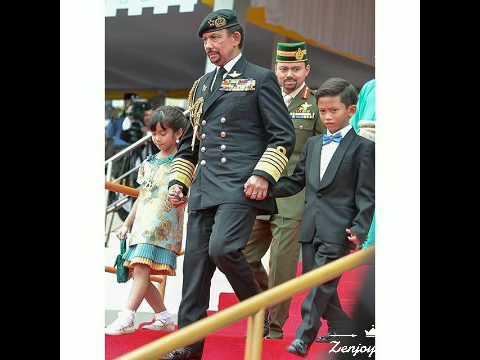 Anak Sultan Brunei Al-Muhtadee Billah menangis di Istana Nurul Iman 05-10-2017из YouTube · Длительность: 1 мин37 с