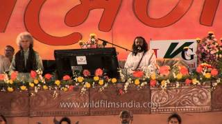 Meditation session by Shri Shri Ravi Shankar during Brahm Naad