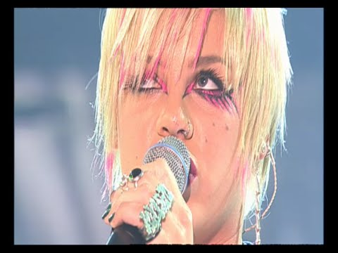 Pink - Try Too Hard (Live)