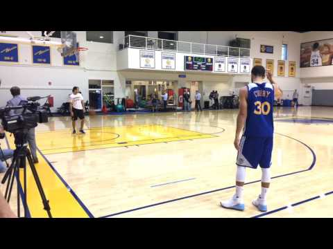 Stephen Curry shooting routine, Golden State Warriors (61-14) morning shootaround before Rockets