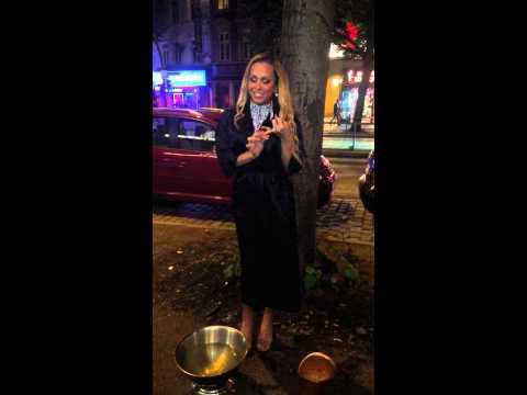 ALS Ice Bucket Challenge Andressa Piovani