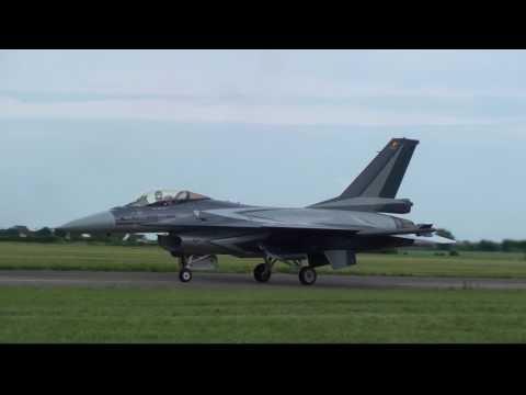 F16 DE FOLIE !!! en HD /meeting aérien/air show