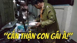 Chú thấy con làm công việc NGUY HIỂM quá    Guide Saigon Food