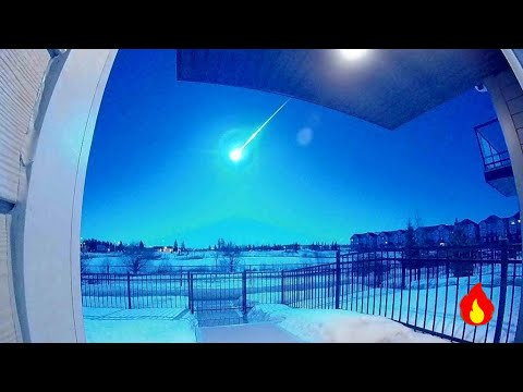 Stunning meteor 'mid air' blast  sparks nuclear missile scare in Canada