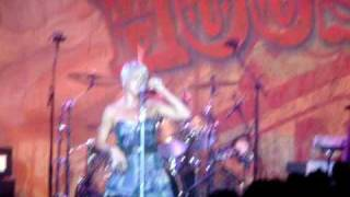 P!nk - One foot wrong Live