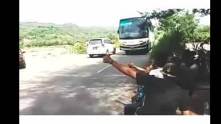 Kumpulan Video Bus Klakson Telolet Om Paling Keren! Ngakak!!