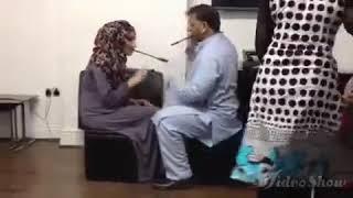 Семья мусульман игра с жена