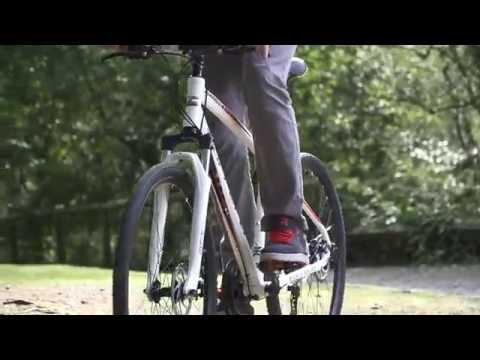Carrera Crossfire 2 Men's Hybrid Bike | Halfords UK - YouTube