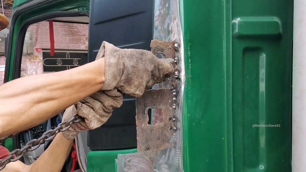 Repair Green Post Truck   Panel Beating   Re-Painting