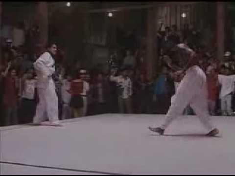 Capoeira fight (Capoeira vs Tae Kwon Do)