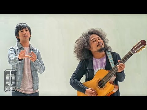 D'MASIV Feat Pusakata - Ingin Lekas Memelukmu Lagi (Official Music Video)