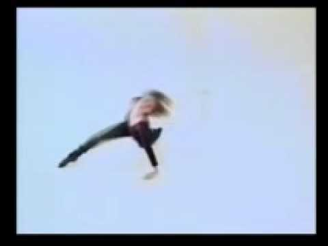 il arrive (1992) - Anja Weber