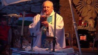 Pilisszántó 2015 május 1. Mise a Boldogasszony kápolnánál Berszán atyával