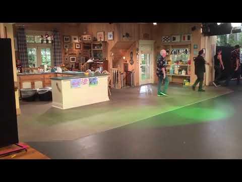 Fuller House Season 3 Finale Cast Curtain Call
