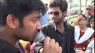 Awesome Street Singing : Pehli Mohabbat and Jindagi milke bitayenge