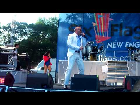 Bojangles- Pitbull Performing at Six Flags