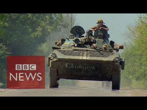 Ukraine crisis: The town where war still rages on - BBC News