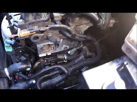 Двигатель NFU TU5JP4 Замена термостата