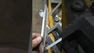 почему нож рубит гвозди