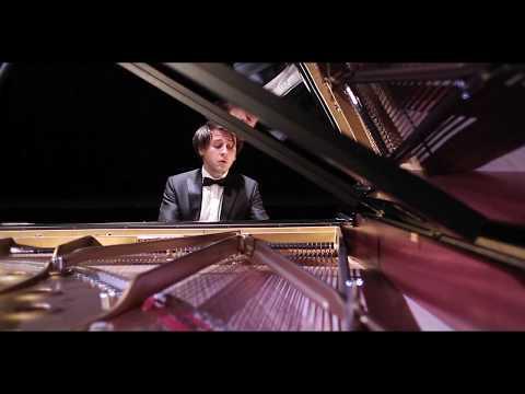 Vitaly Pisarenko plays Schumann Aufschwung (Soaring)