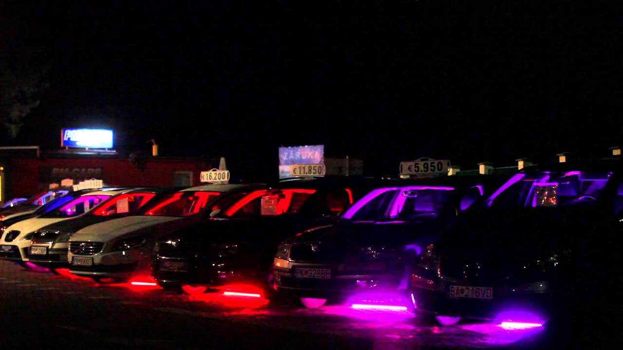 Light Show Demonstrating Usage Of CheapFi Controllers PMCARS - Car light show