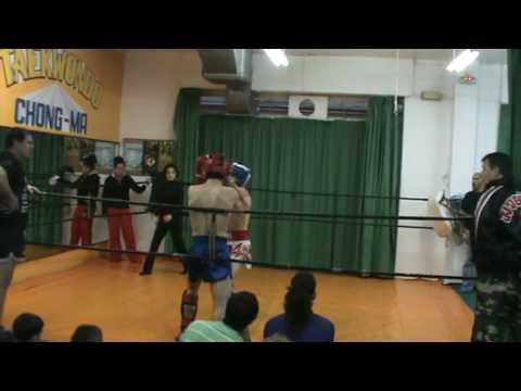 Andrés (Chong-ma) vs William (Santa Ponça) interclub kickboxing 2010