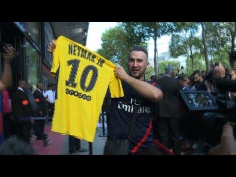 Football: Neymar shirts go on sale at PSG megastore
