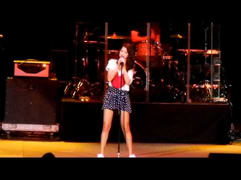 Selena Gomez and the Scene My Dilemma live