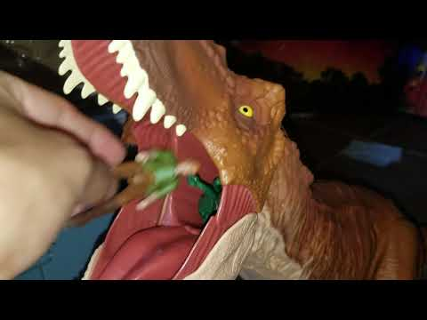 Feeding The Super Colossal T-Rex!!