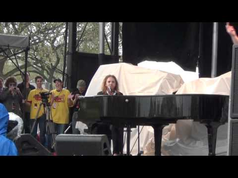 Tim Minchin at the Reason Rally (The Pope Song)