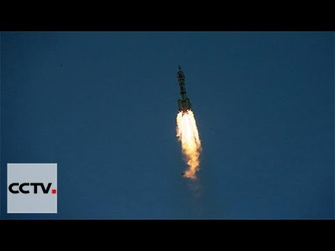 Video: China launches Shenzhou-11 manned spacecraft