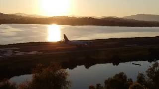 Взлет самолета на закате. Аэропорт Керкира (Корфу)(, 2016-07-20T17:05:10.000Z)