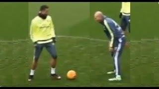 Video Cristiano Ronaldo intentó  un caño/tunel/nutmeg a Zidane download MP3, 3GP, MP4, WEBM, AVI, FLV November 2017