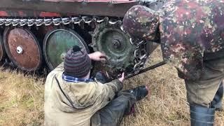 Ремонт катка на ГАЗ-34036 в полевых условиях