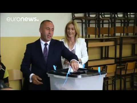 Leaders cast their vote in Kosovo's snap election
